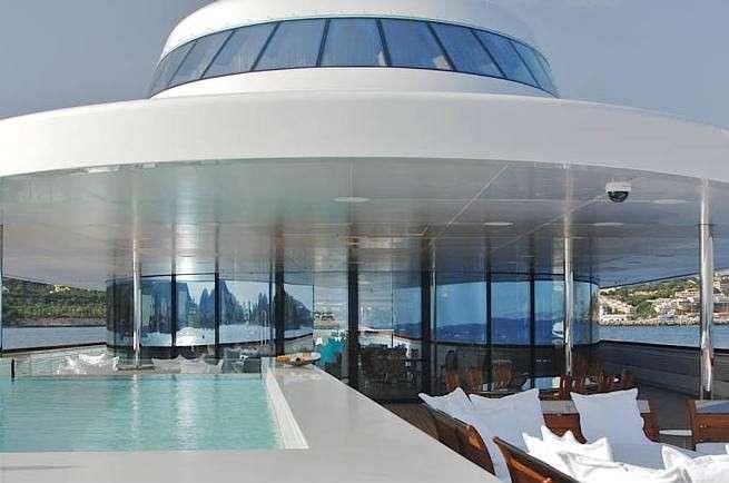 eclipse-yacht-la-vasca-idromassaggio