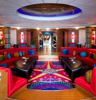superyacht-dubai-4694-b-365x381